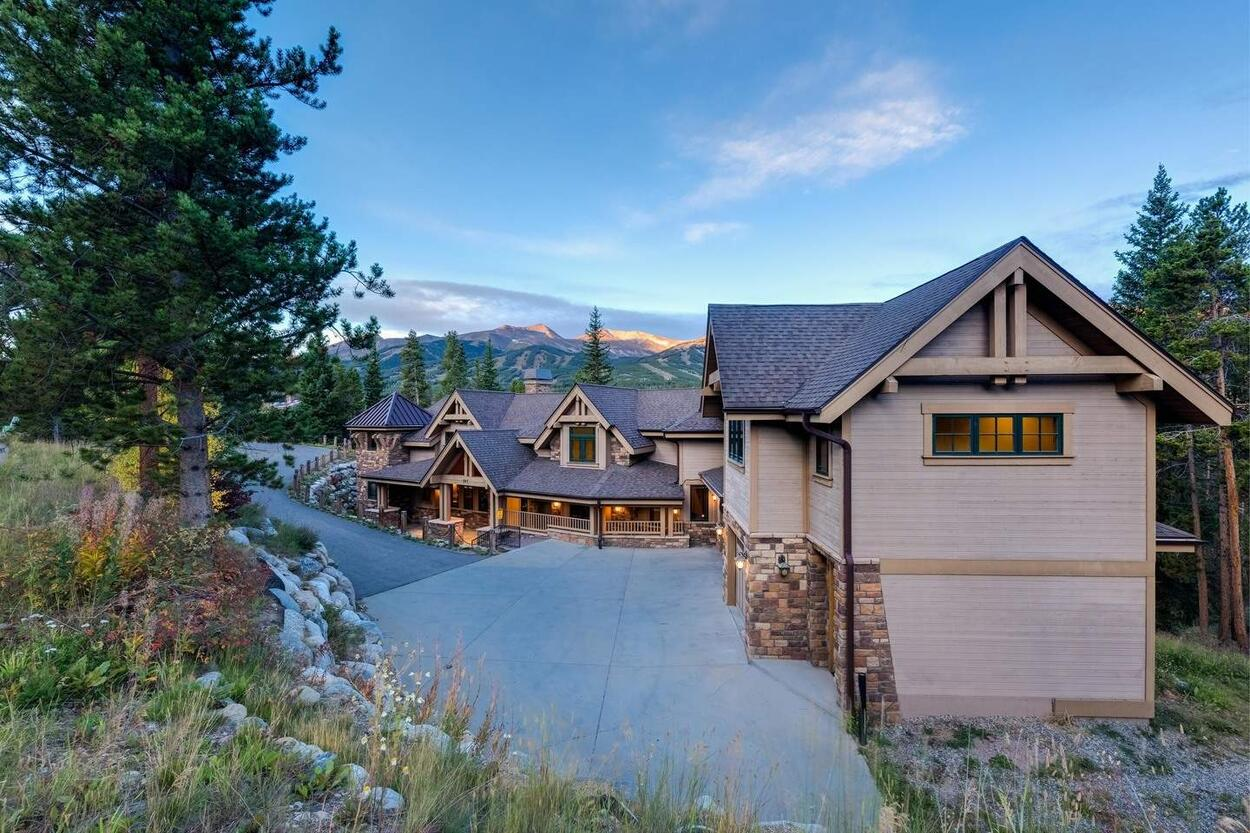 Think of Mont Vista Chateau as a modern interpretation of a French Chateau, right in the heart of the Rockies.
