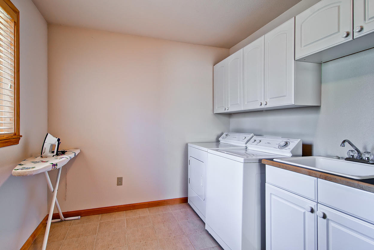 If you use the laundry room with washer/dryer and iron mid-stay, you'll only need to pack half as much.