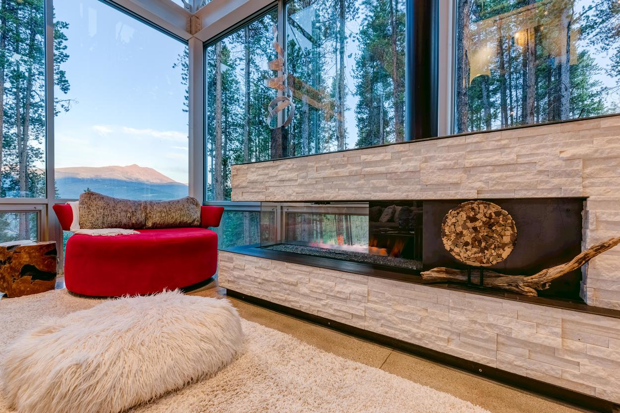 If you drag your eyes away from the amazing views, you'll find a fireplace tucked into the console.