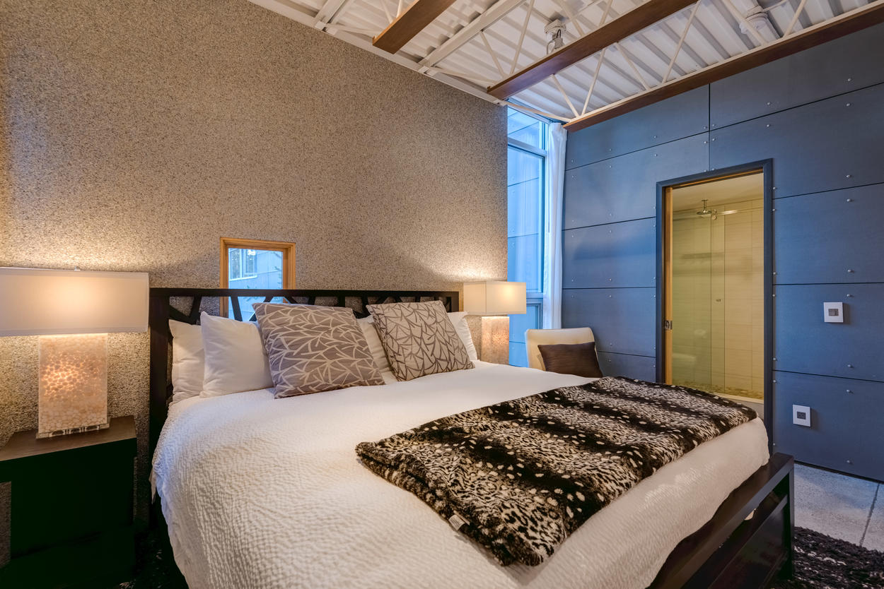 The Pebble room also comes with its own en suite and flatscreen TV.