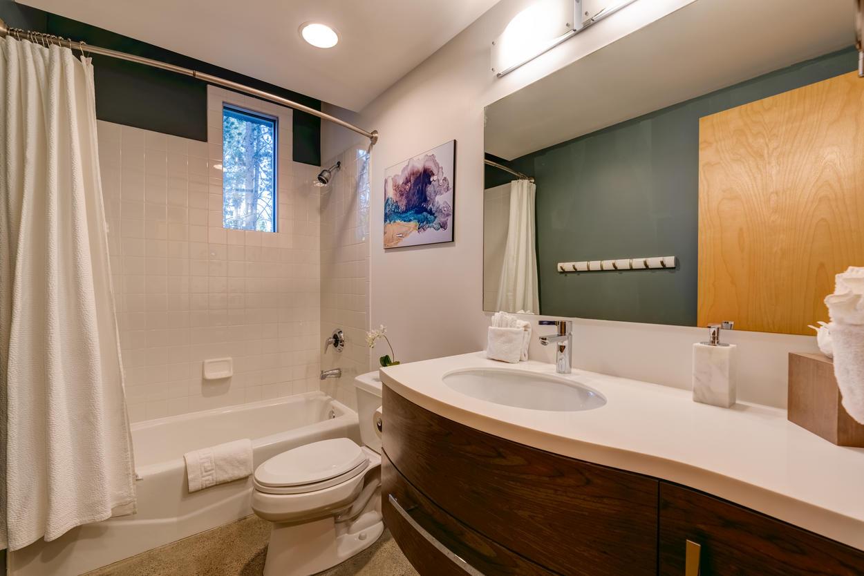 The Blue Room's en suite has a convenient shower/tub combo.