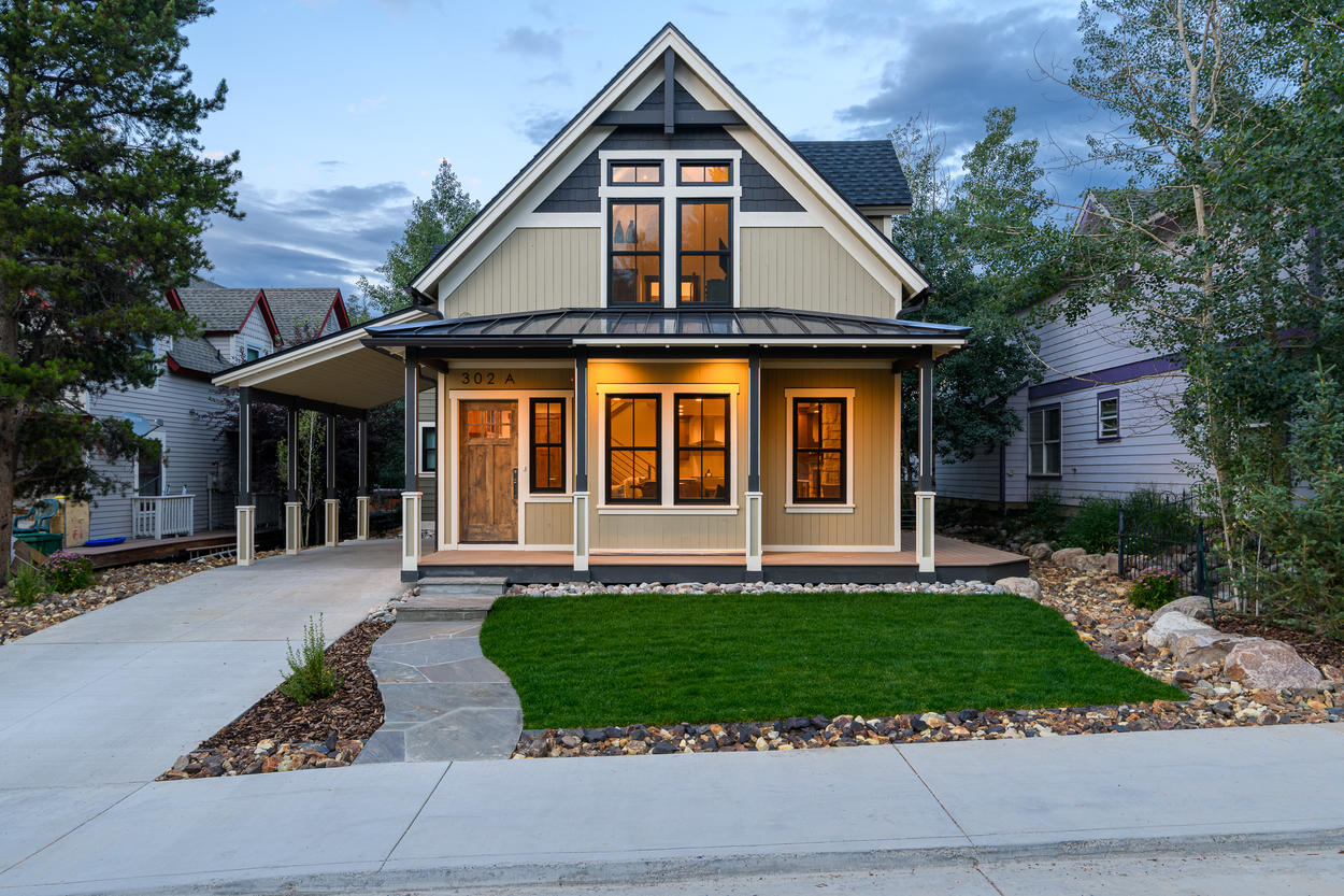 Zephyr Chalet is located right in downtown Breckenridge, just a short walk to the lifts.
