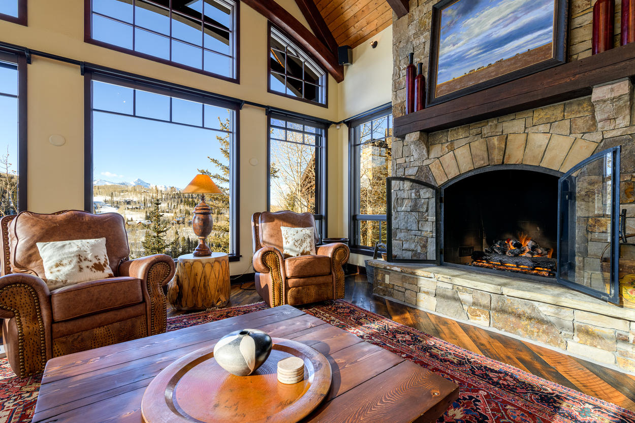 Admire the views of Mount Wilson while you cozy up next to the fireplace