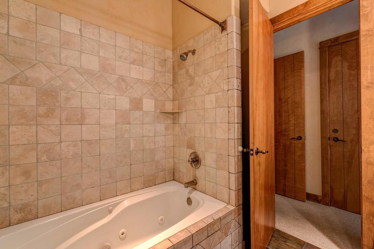 The soaking tub is a great way to unwind after a day out on the slopes.