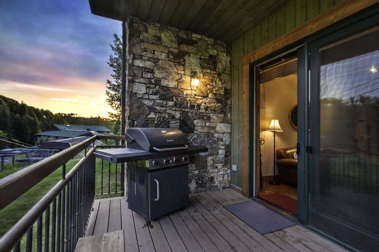 Grill up a delicious dinner on the outdoor patio.