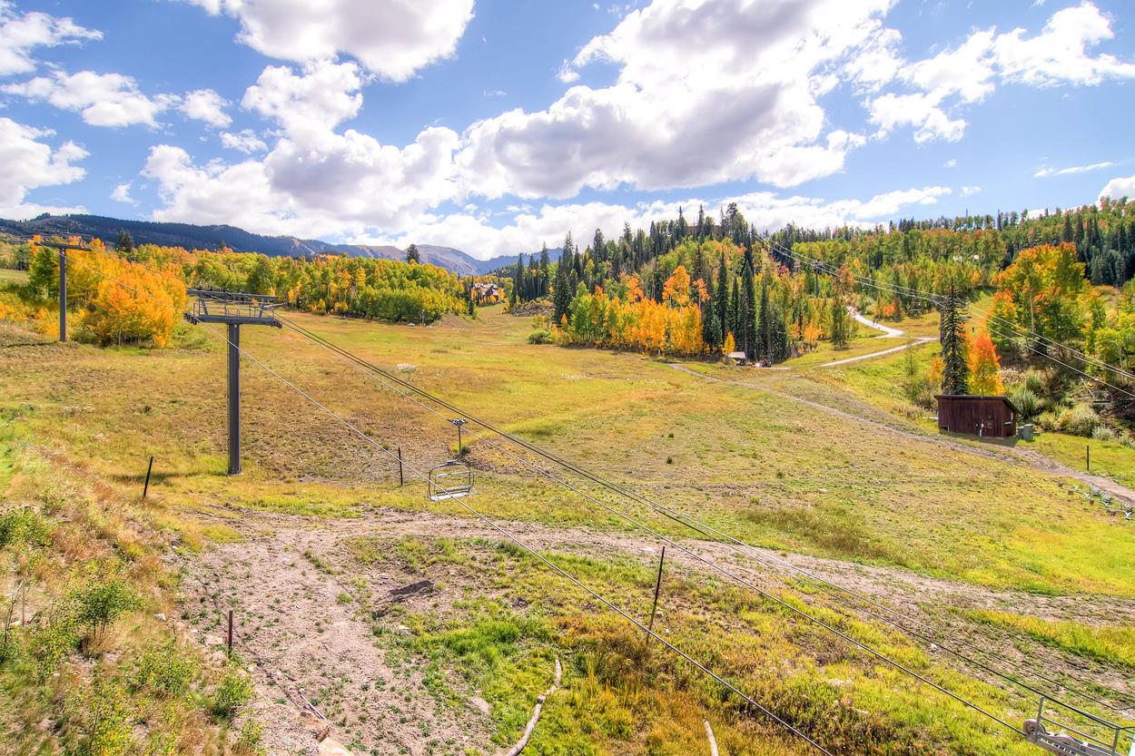 The ski area is literally in your backyard when you stay at The Black Diamond.