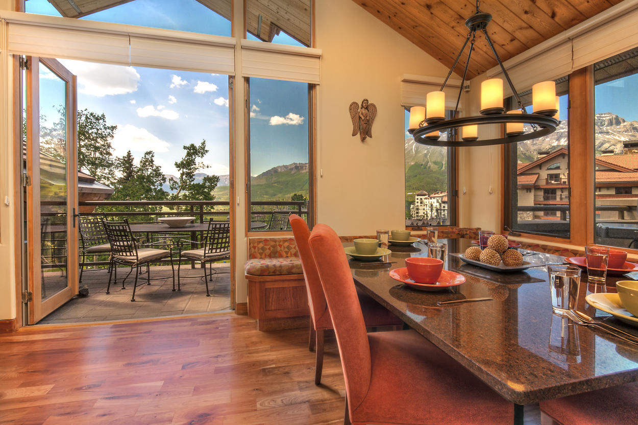 Better yet, enjoy dinner on your patio and be that much closer to the spectacular views.