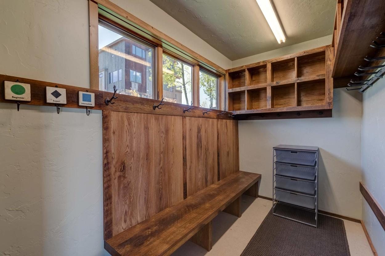There's plenty of space to hang your winter gear and store your ski boots after a day on the slopes.