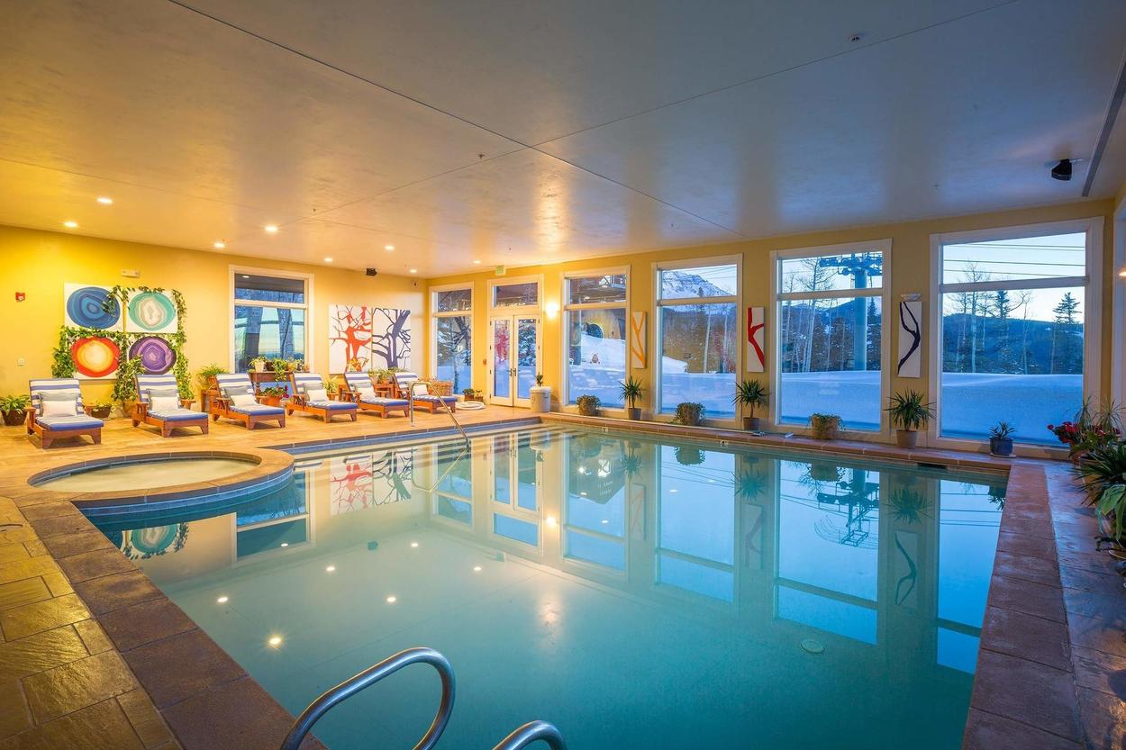 Another view of the pool and hot tub.