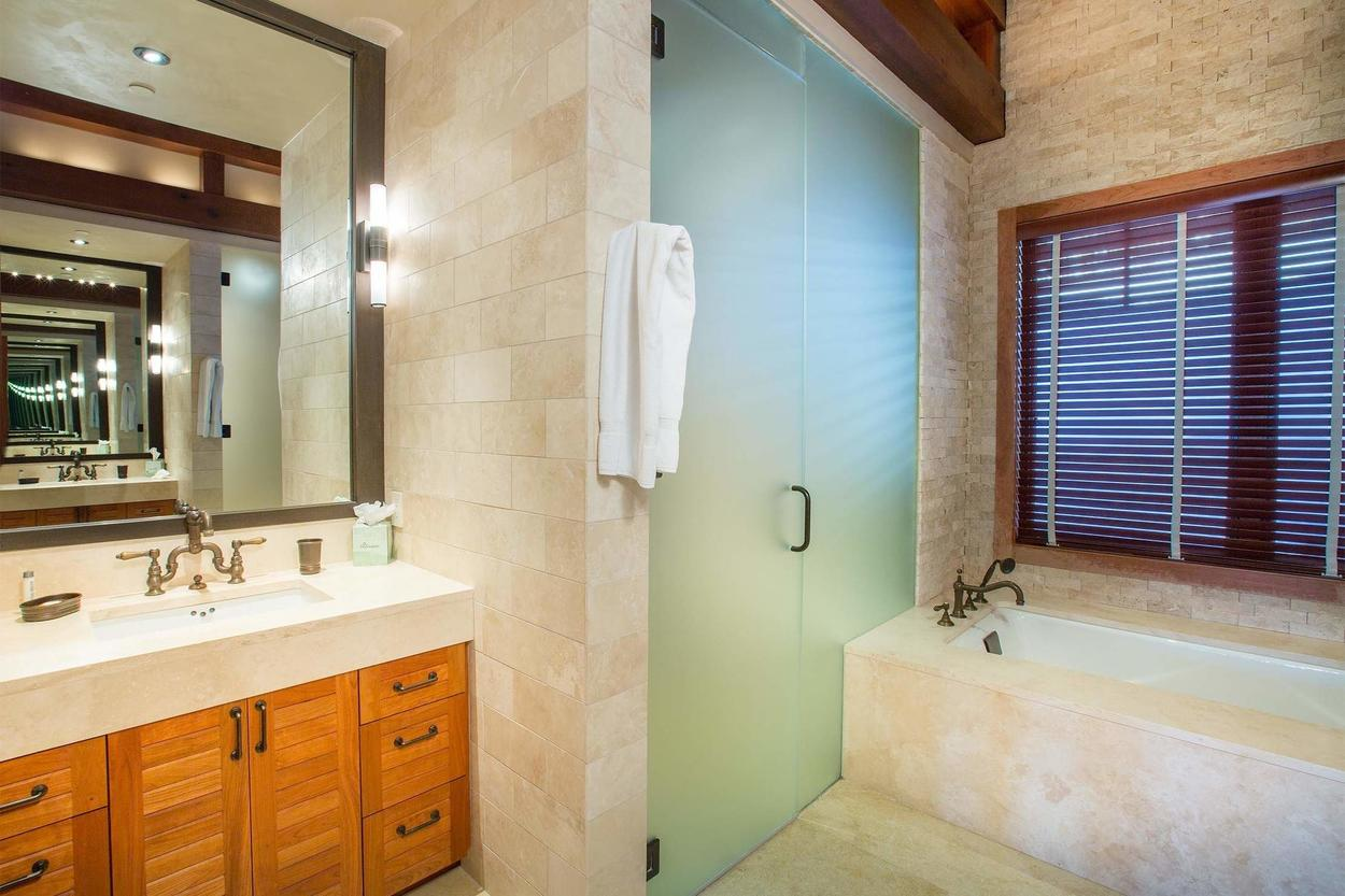 Walk-in shower or relaxing tub? Which one will you choose?