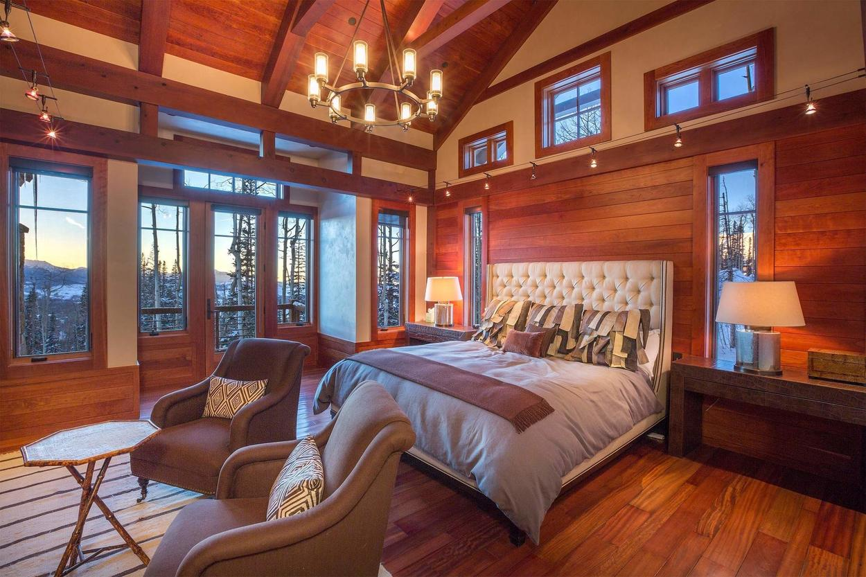The master bedroom fit for a king. Literally.