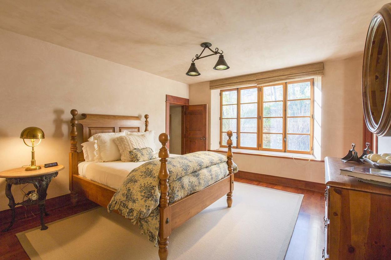 Every guestroom is fit for royalty, this room has a queen bed.