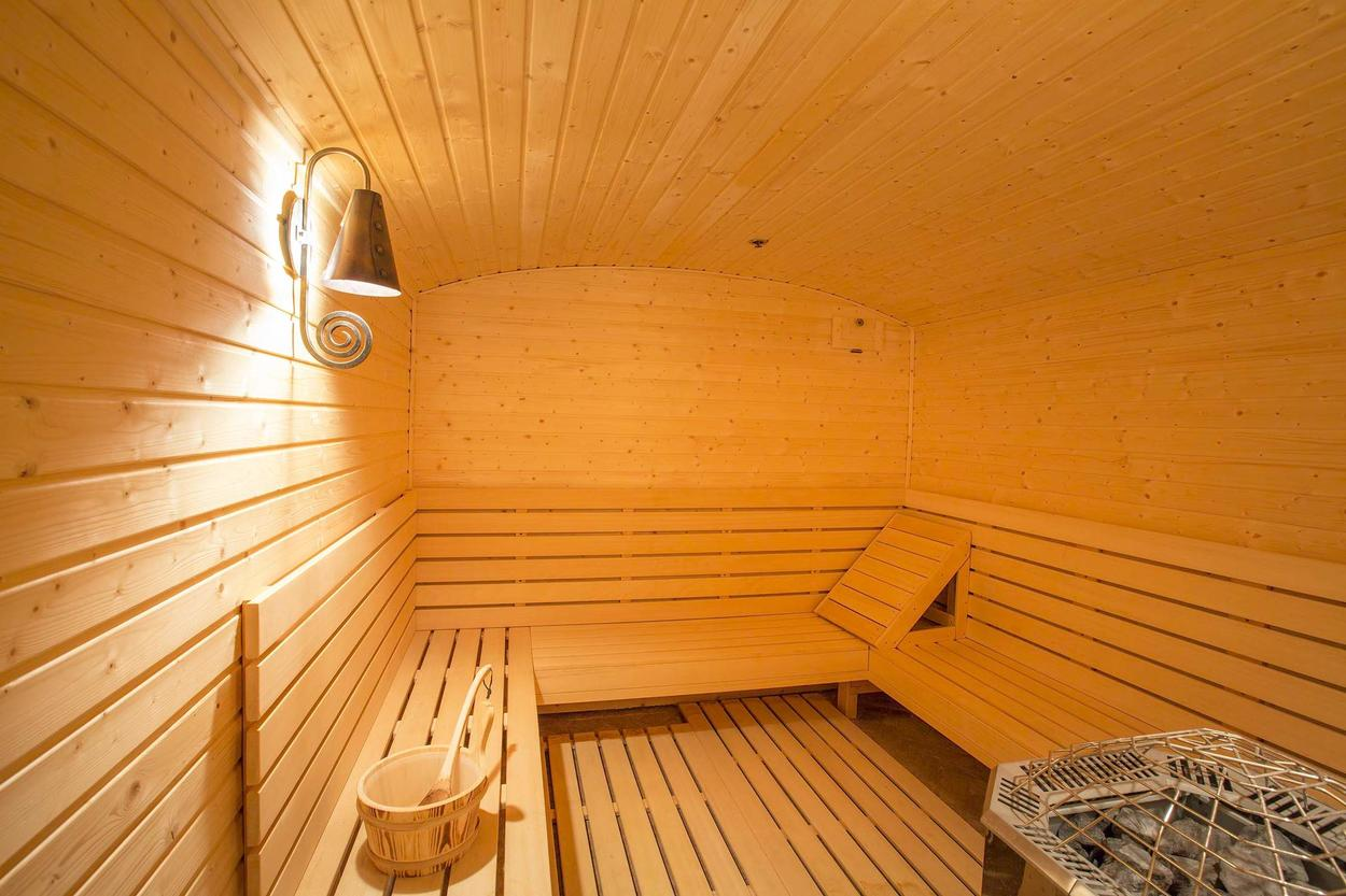 This home comes with its own private sauna.