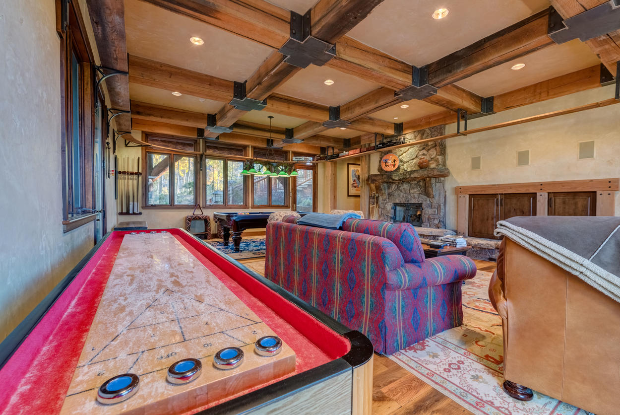 Kids always enjoy a game at the home's shuffleboard and pool tables (okay, the grown-ups do too).