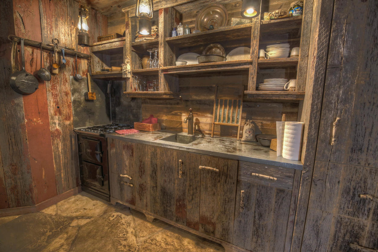 Hot Springs House guests will enjoy a separate kitchen with stove, oven, and dishwasher.