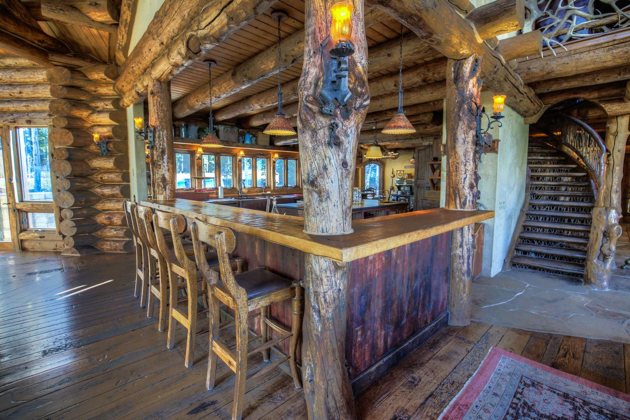 The separate bar is perfect for entertaining.