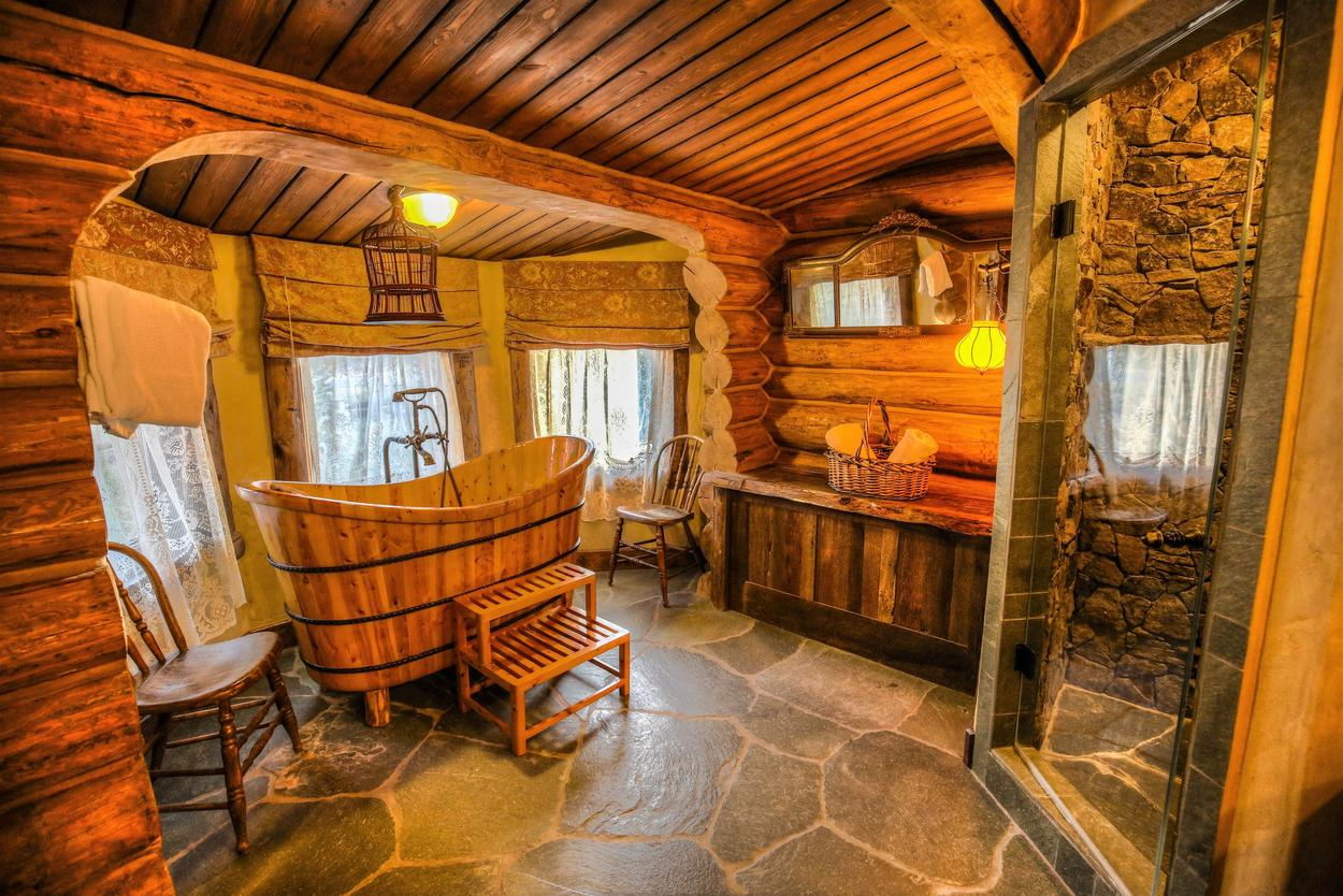 Have a soak in the tub, or a quick shower after a day on the slopes.