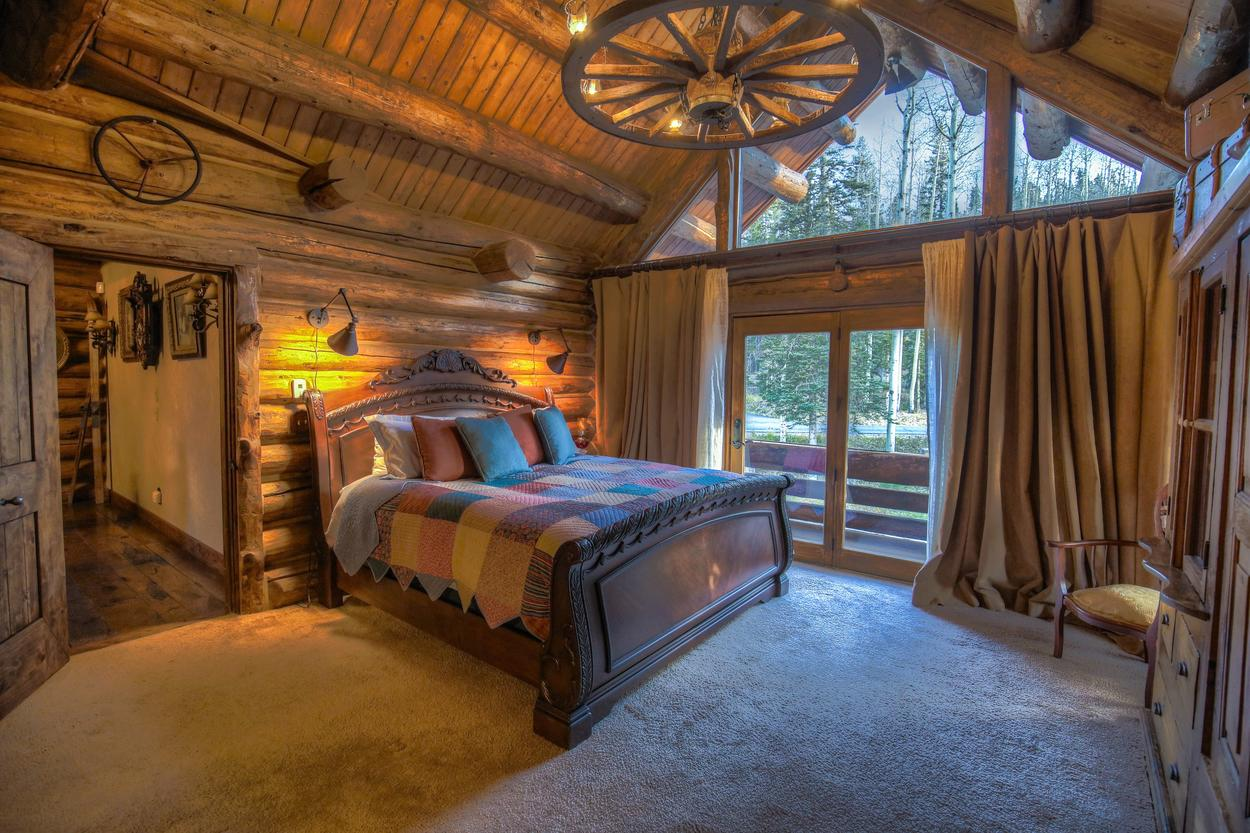 The Wagon Wheel Room features historic, decorative touches.