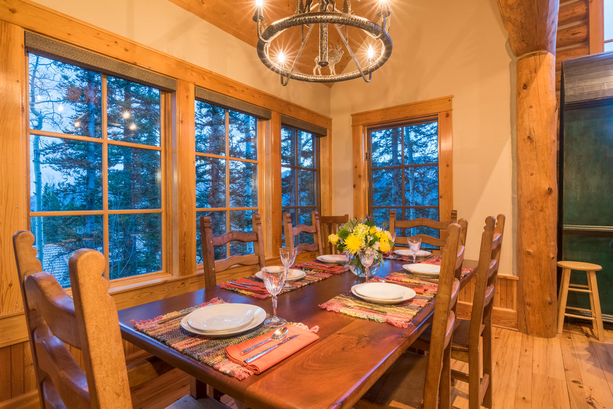 Seating is available for 6-8 people at the large dining room table.