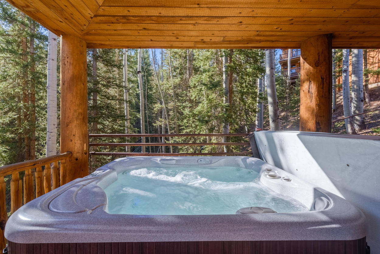 A soak in here is sure to relax you after a busy day.