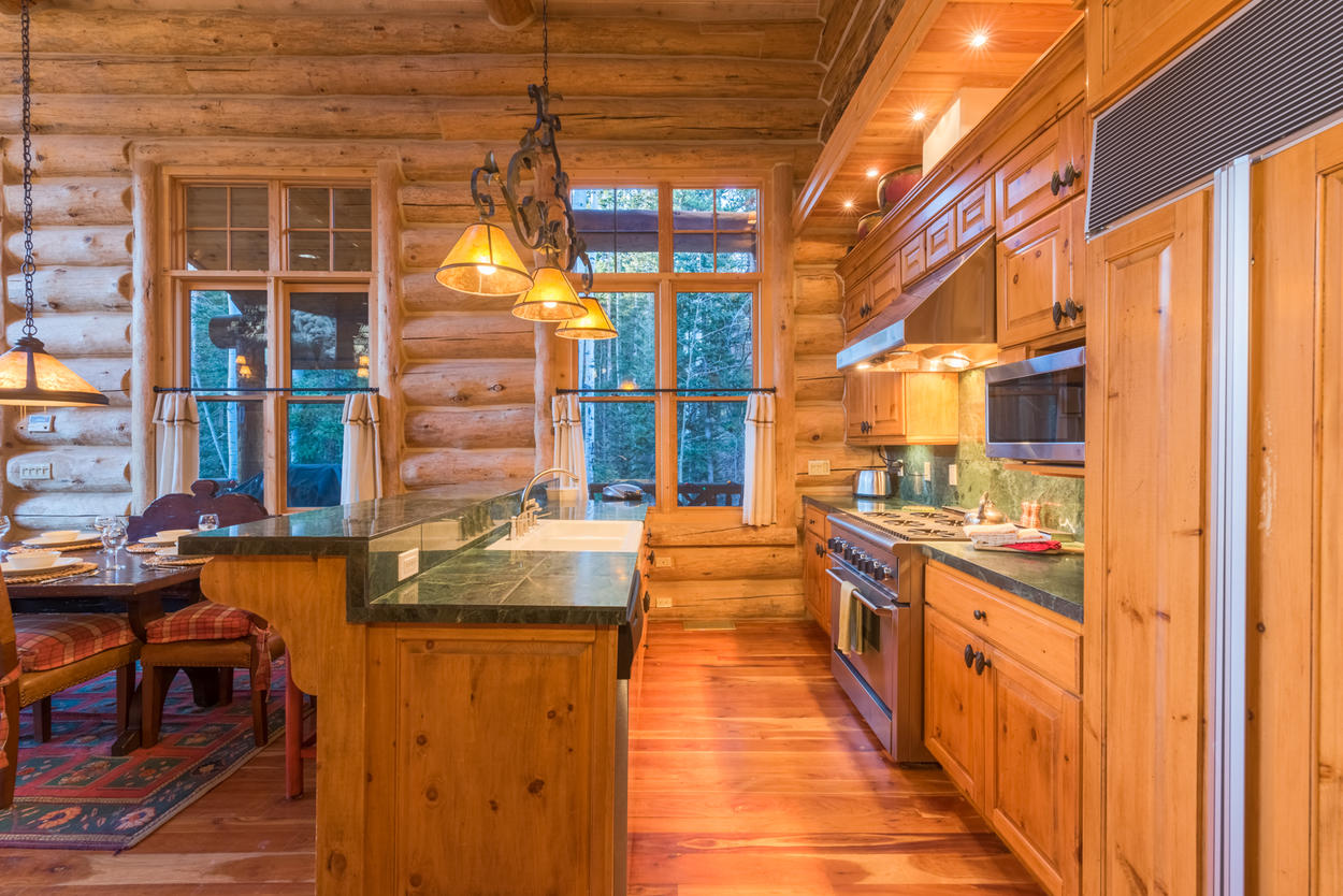 Cooking a delicious meal is a piece of cake in this high end kitchen.