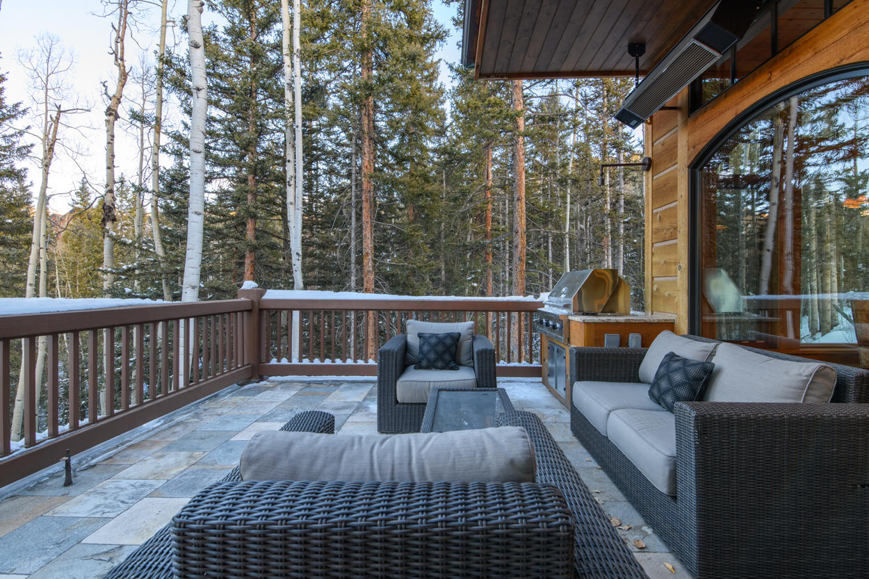 Who needs to leave a home this luxurious? Apres ski can be enjoyed right on the cushioned patio seating on the deck