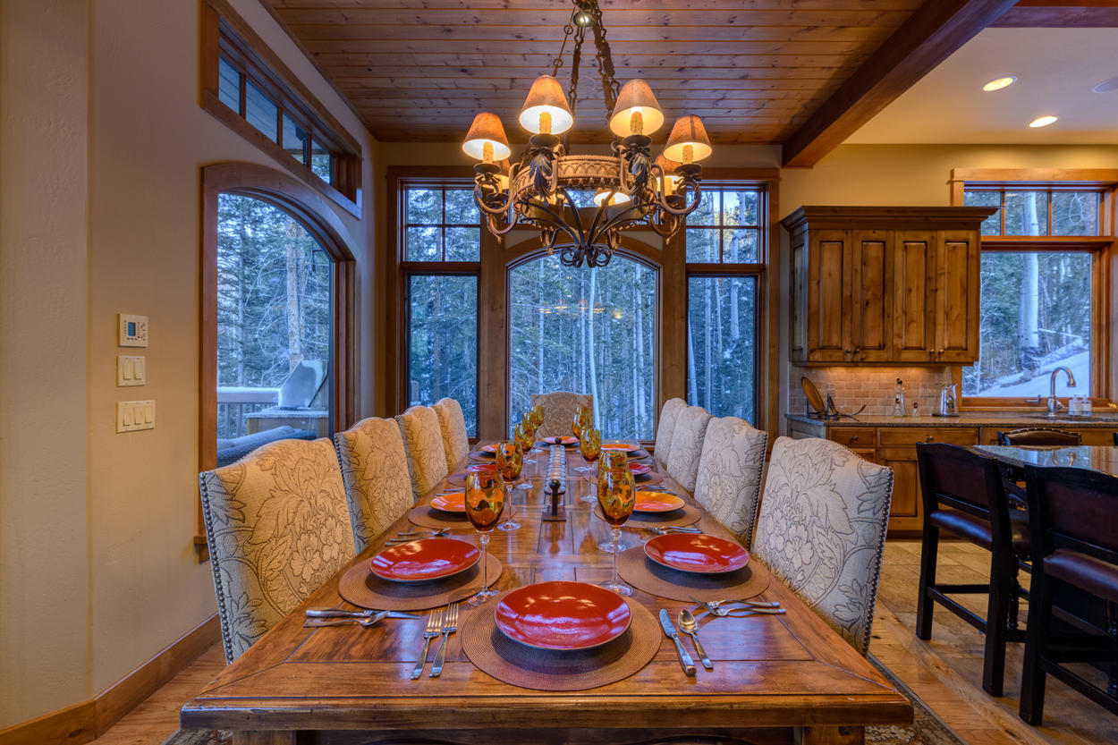 You'll feel like you're a part of the natural splendor outside at this quiet dining space