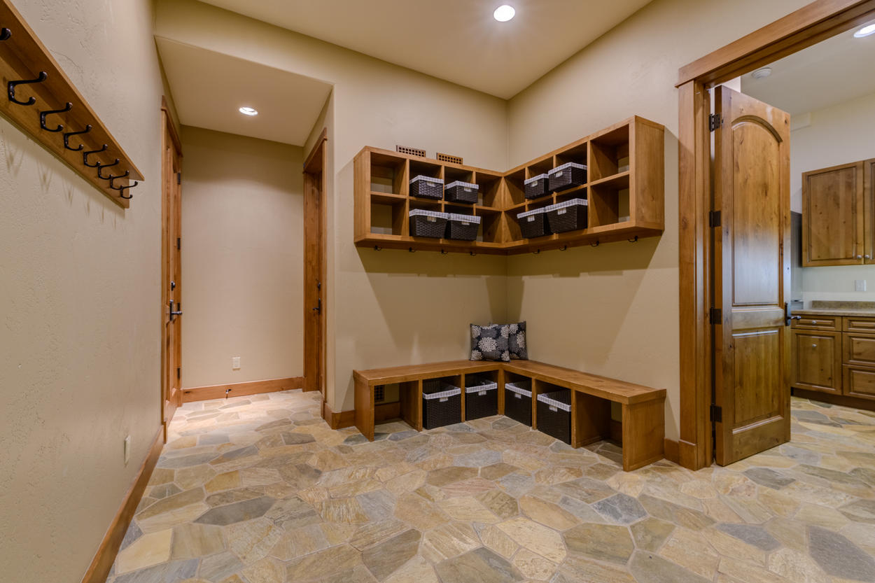 Shed your ski gear in the mud room on the lower level each afternoon to dry