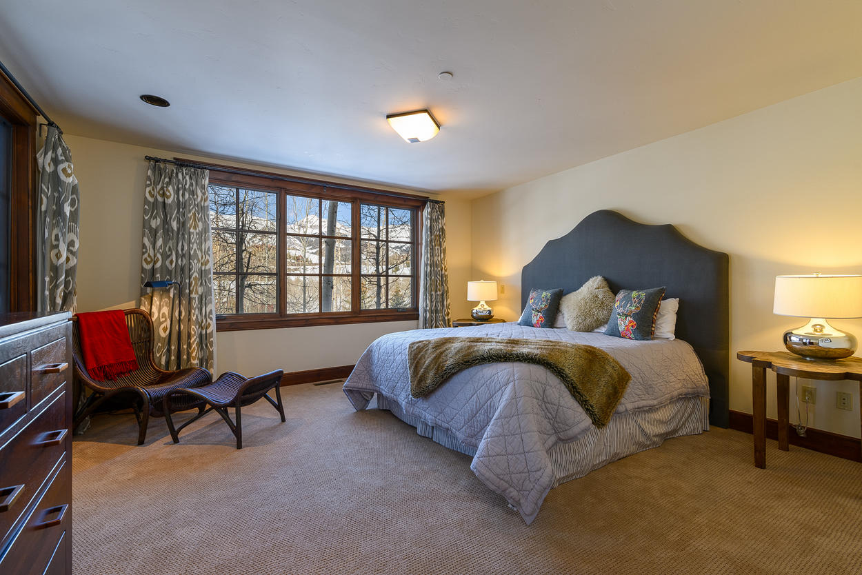 In Guest Bedroom 1, the king bed can be split into two twin beds.