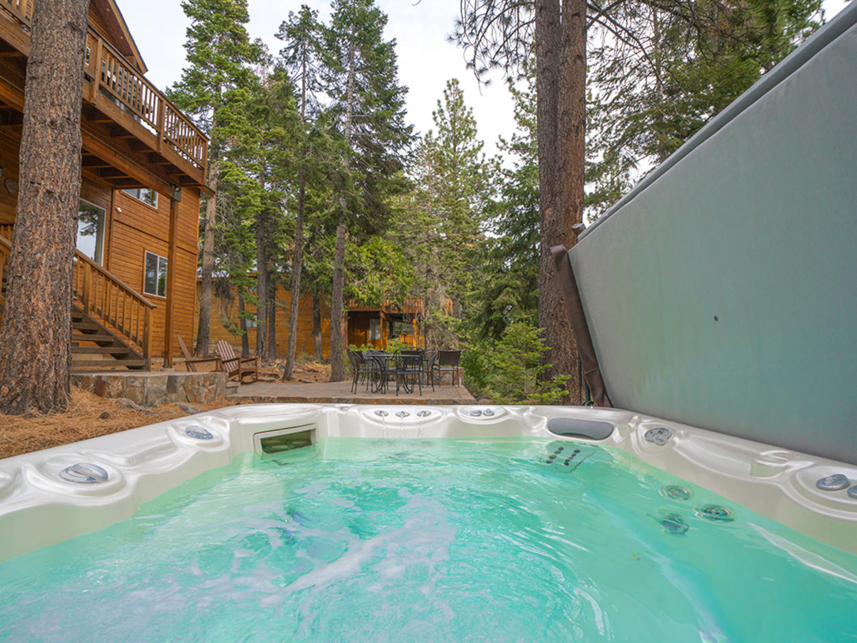 The seven-seater hot tub on the rear landing is a perfect spot to warm up after a day on the slopes.