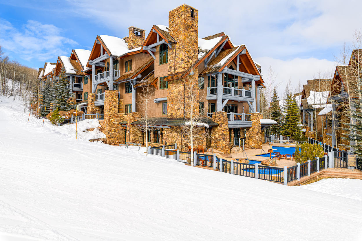 The complex is located slopeside, as are the community hot tubs and pool area.