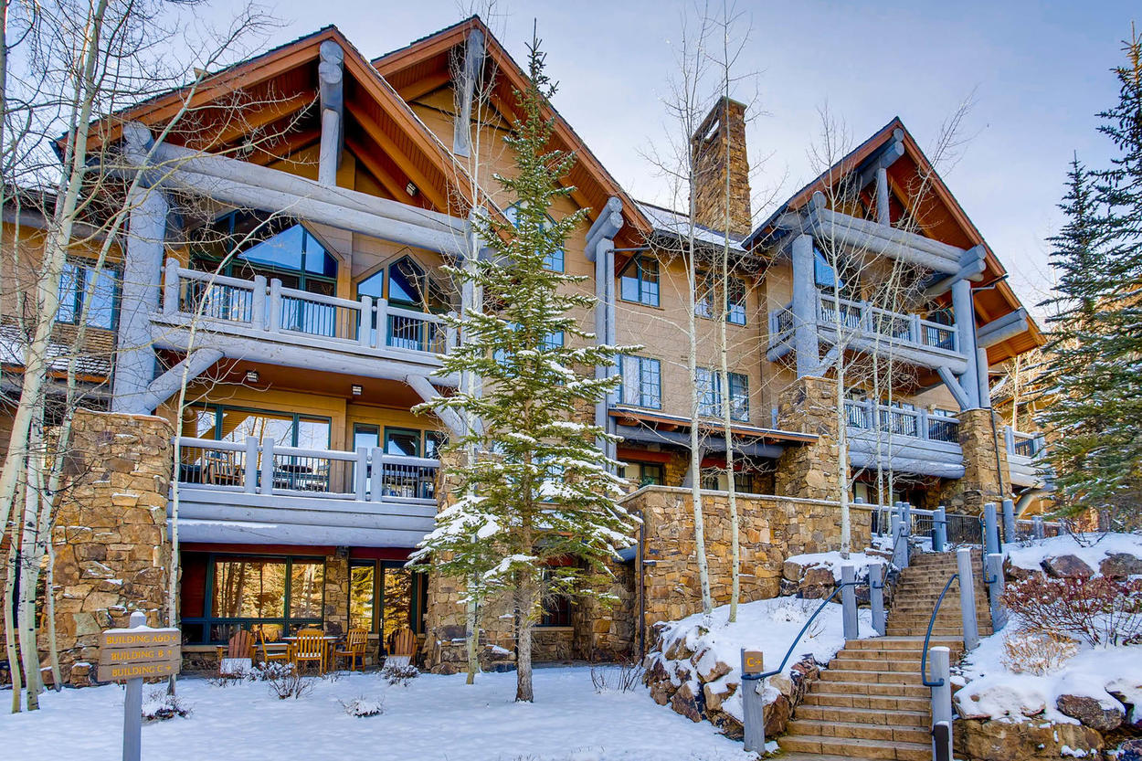The building was designed in a classic ski lodge fashion, inside and out.