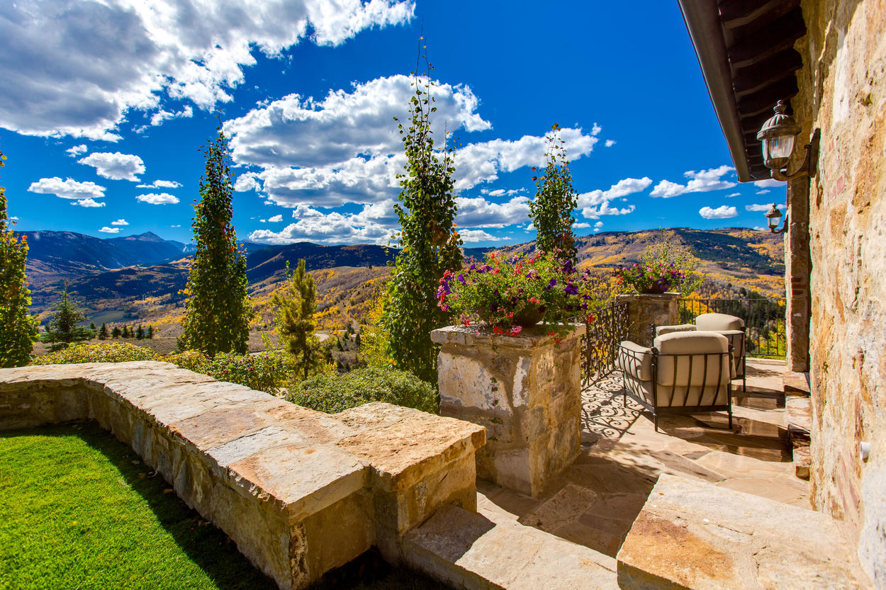 You'll never get used to the 360-degree views this home provides.