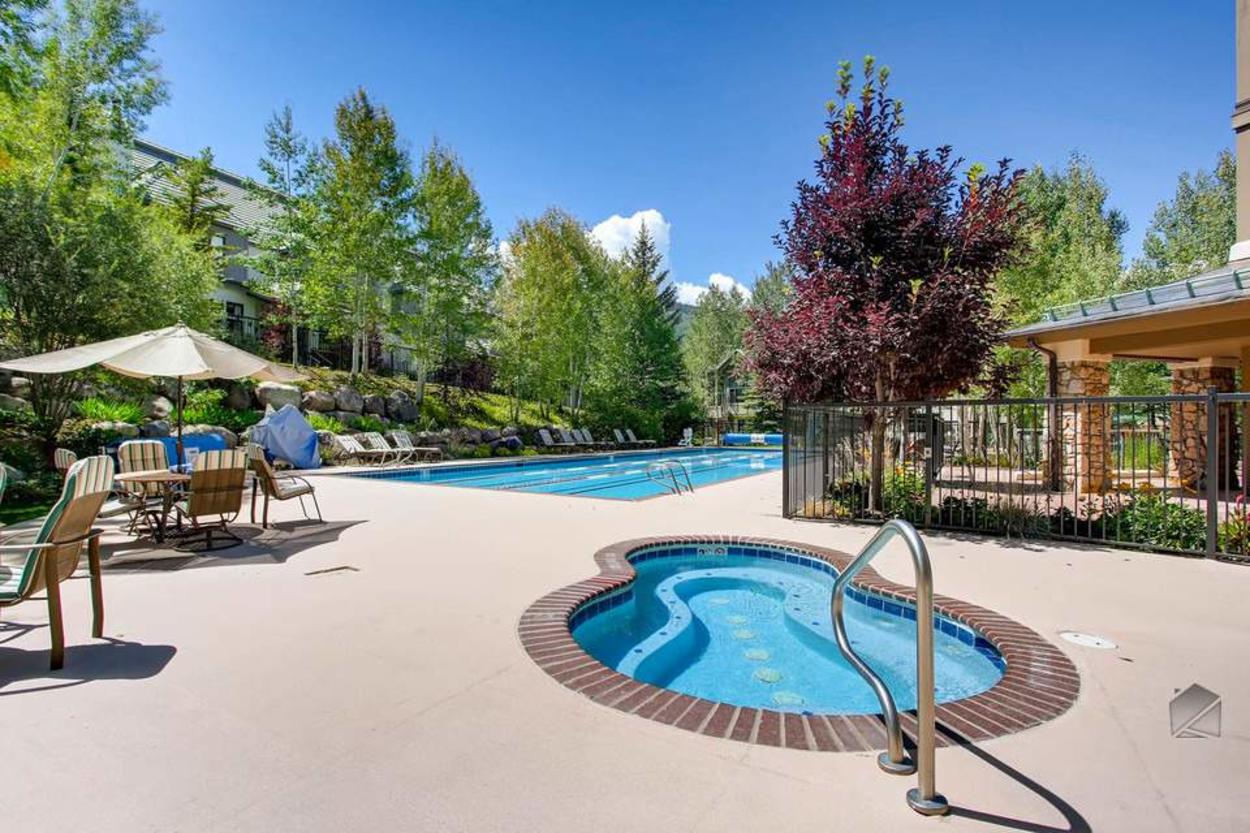 The Highlands Lodge hot tub and pool are a short walk away and stay heated year-round.