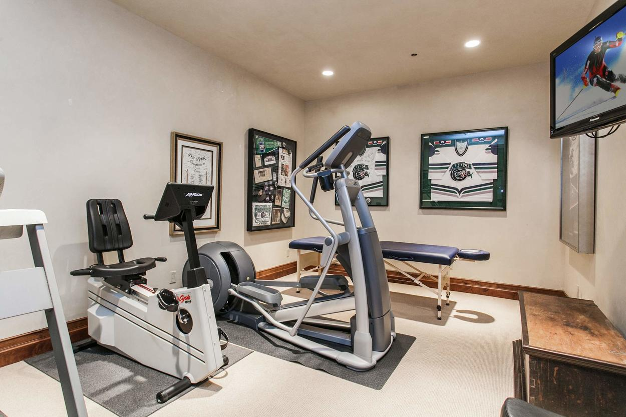 Relax at the end of the day on the massage table, or get started with a warm up on one of the machines in the fitness room