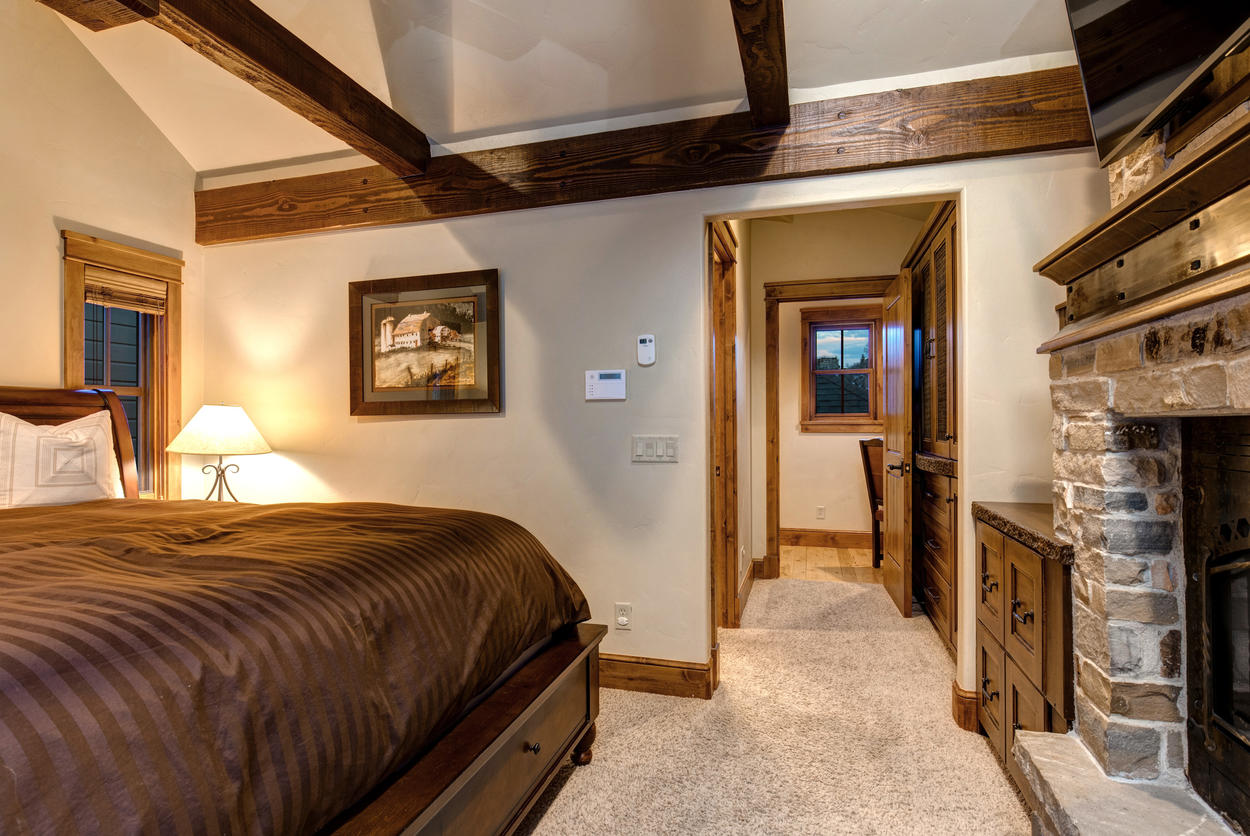 A hallway in the Master Bedroom leads to the ensuite bathroom and small study.