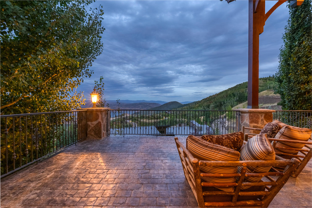 Enjoy a glass of wine, accompanied by views.