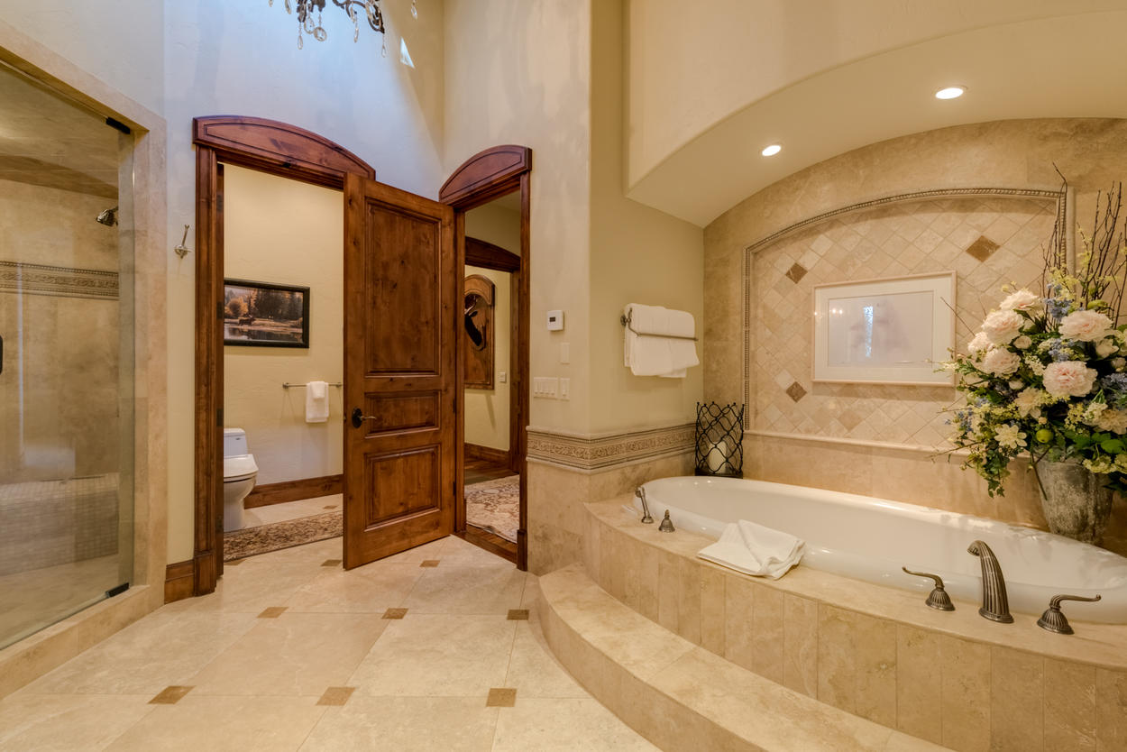 The Master ensuite also features a jetted soaking tub