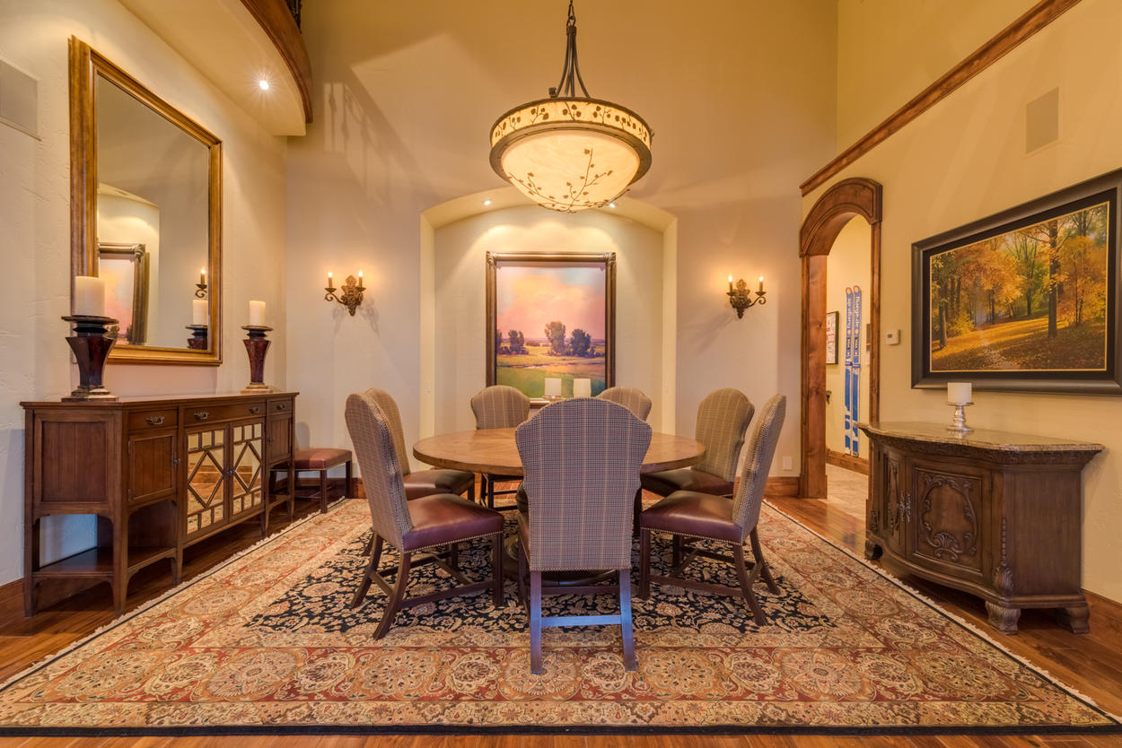 A mix of comfort and luxury makes this dining space a great setting for any meal