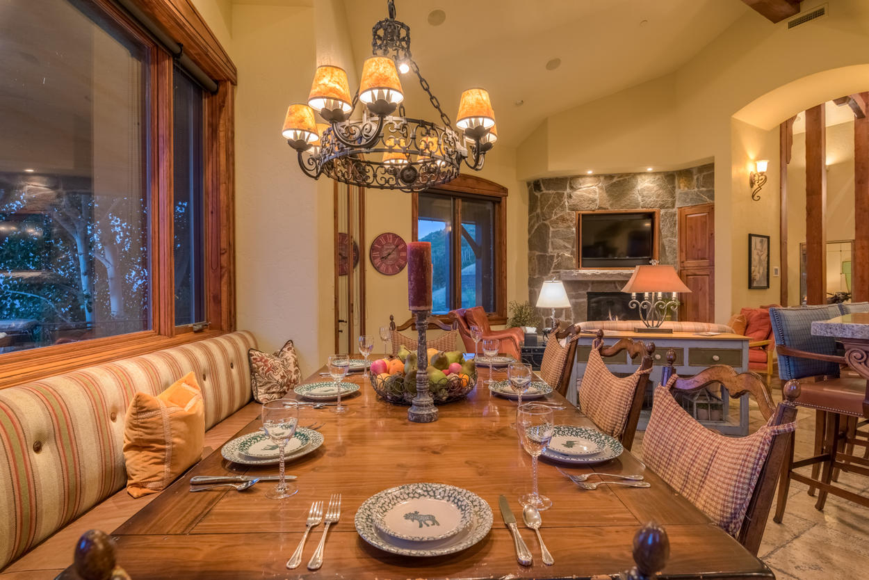 Choose between the comfortable dining chairs or plush banquette