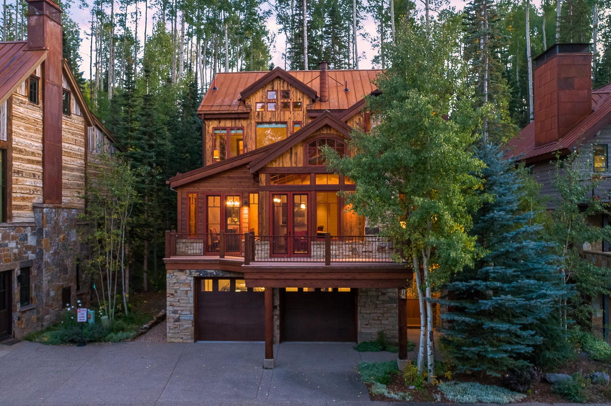 This home makes for the perfect Telluride stay in any season.