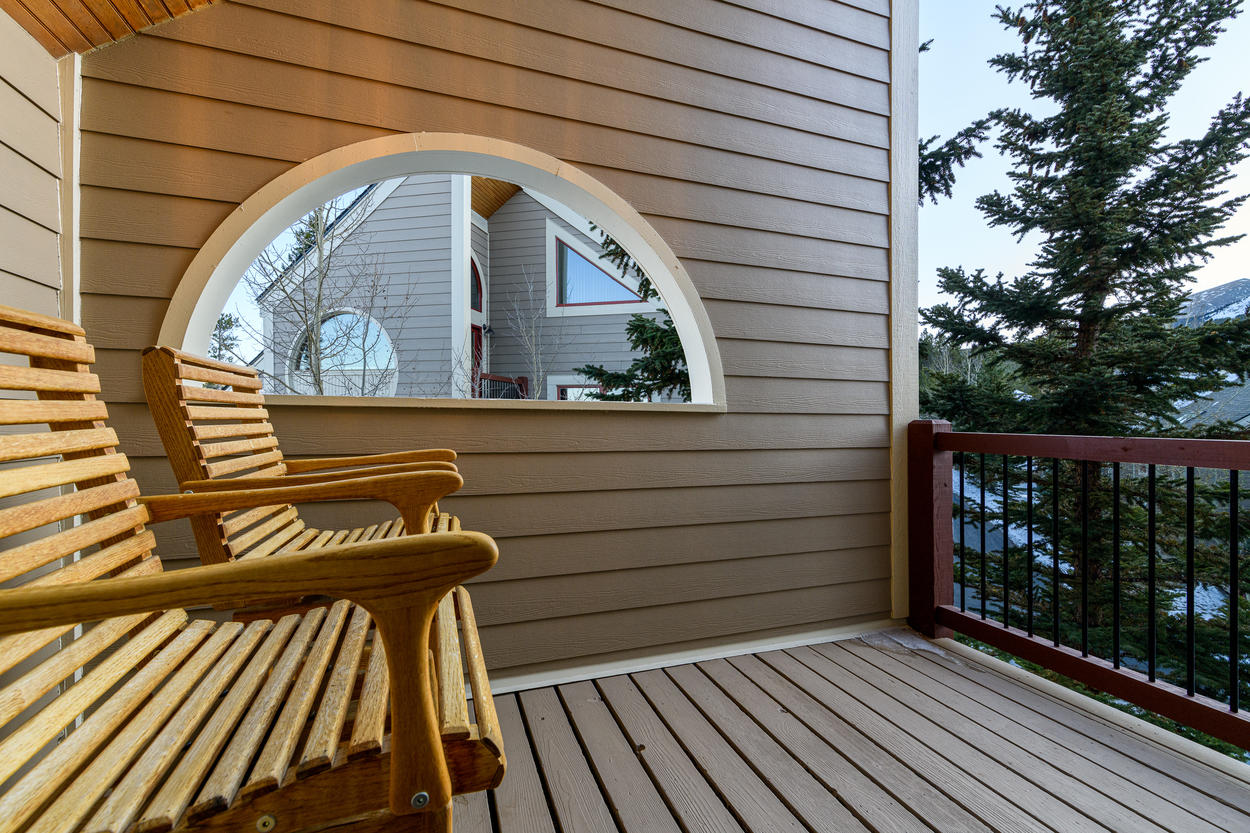 Sit back and take in the mountain views from the 4th level deck.