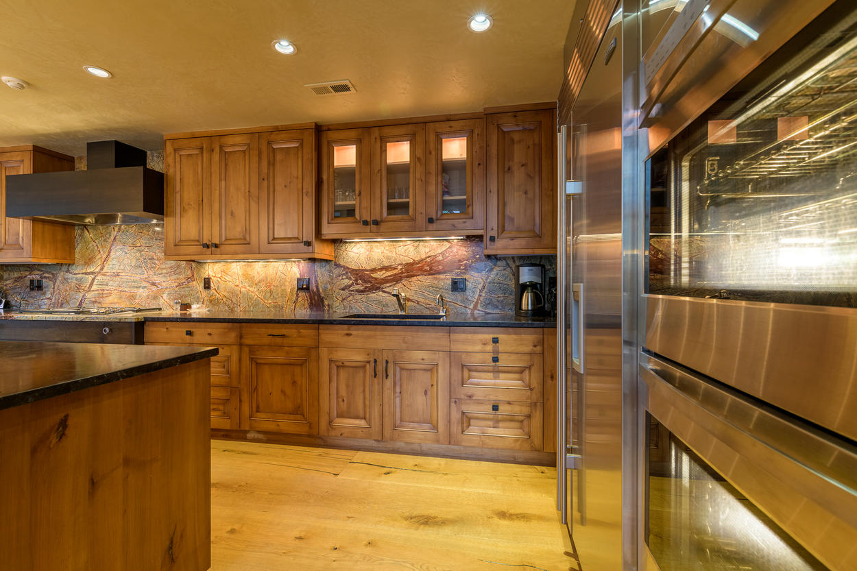The double oven and extended counter space make it easy to cook for large groups.