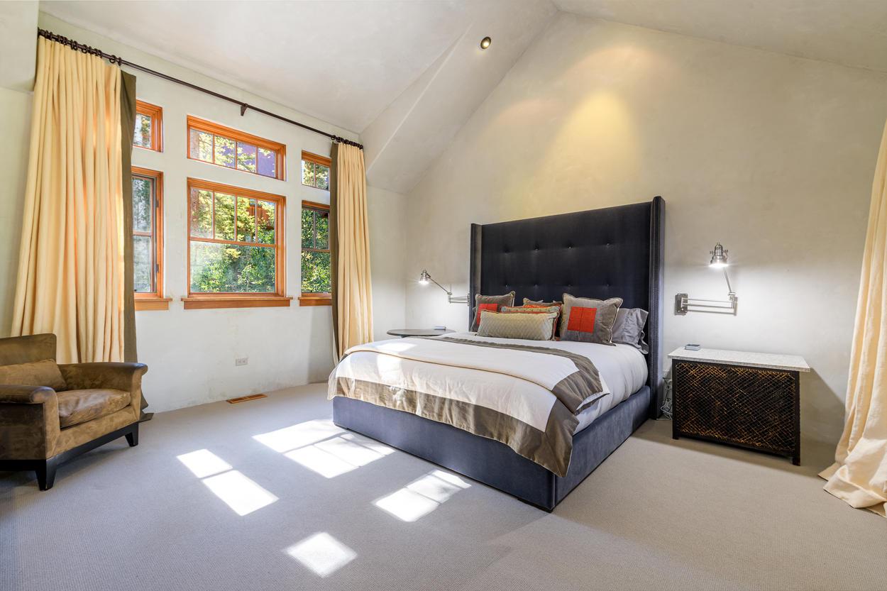 Sleek Guest King Bedroom with En suite