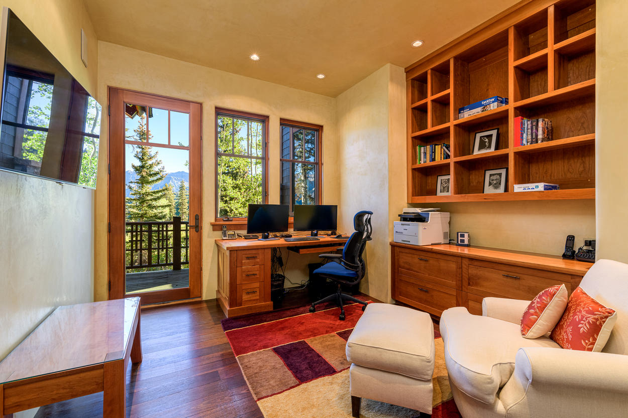 Private and Quite Home Office
