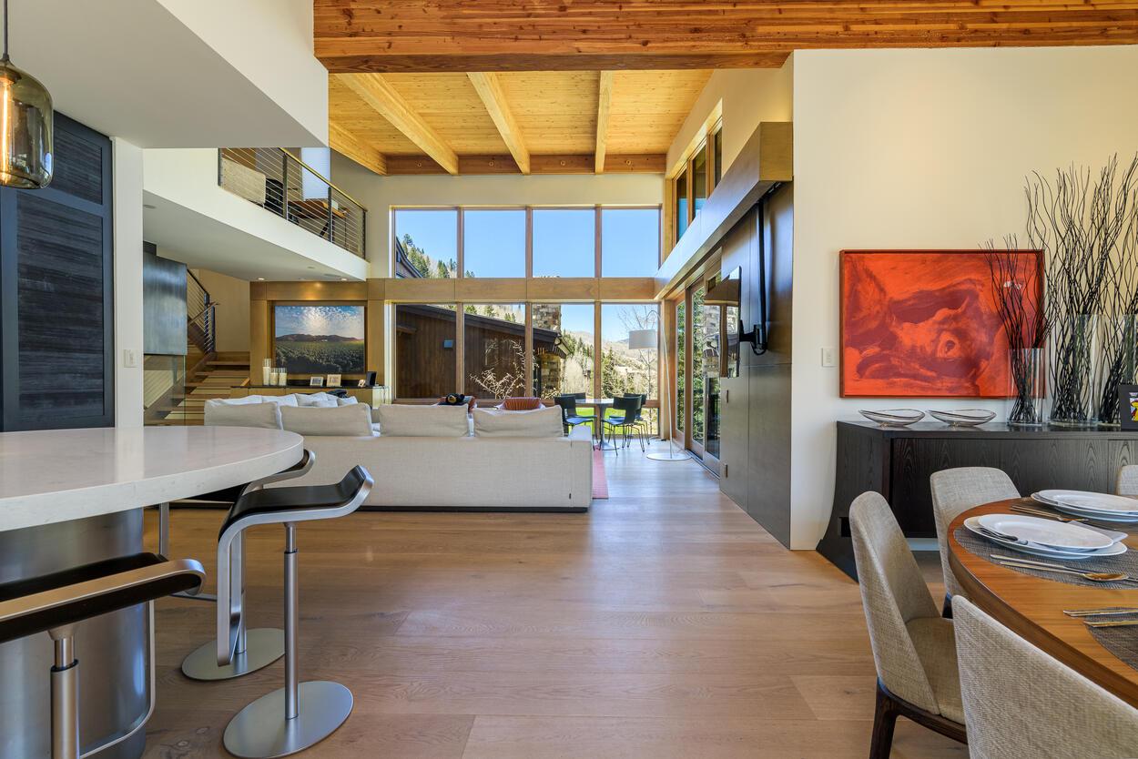 Open floor plan between the kitchen, dining room and living room