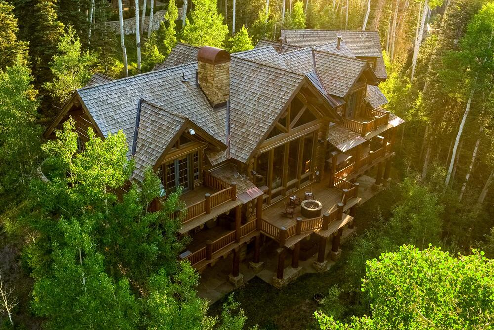 Lucky Sevens Lodge